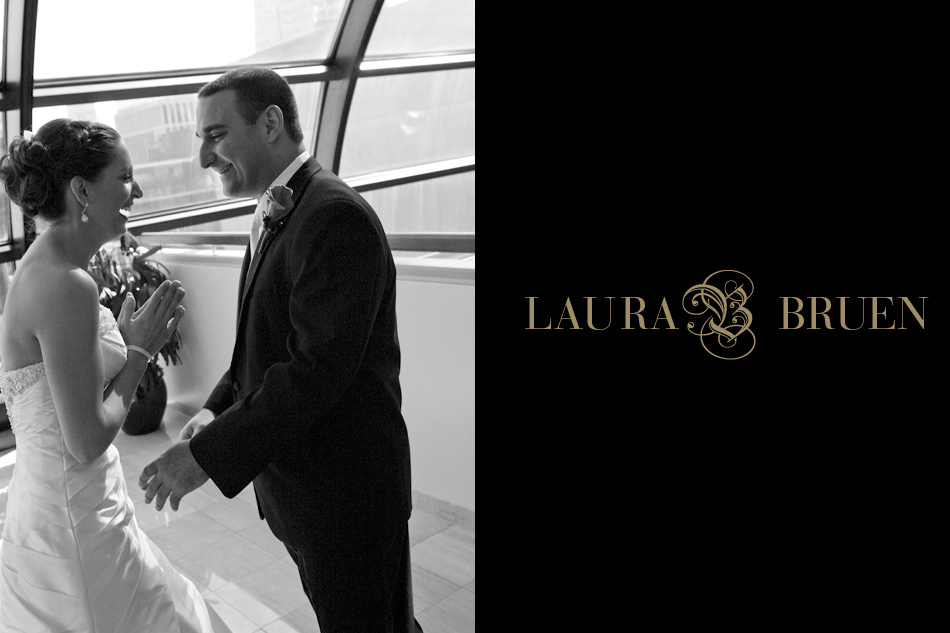 NYC Wedding, Times Square, Laura Bruen, Photographer - Marriott Marquis